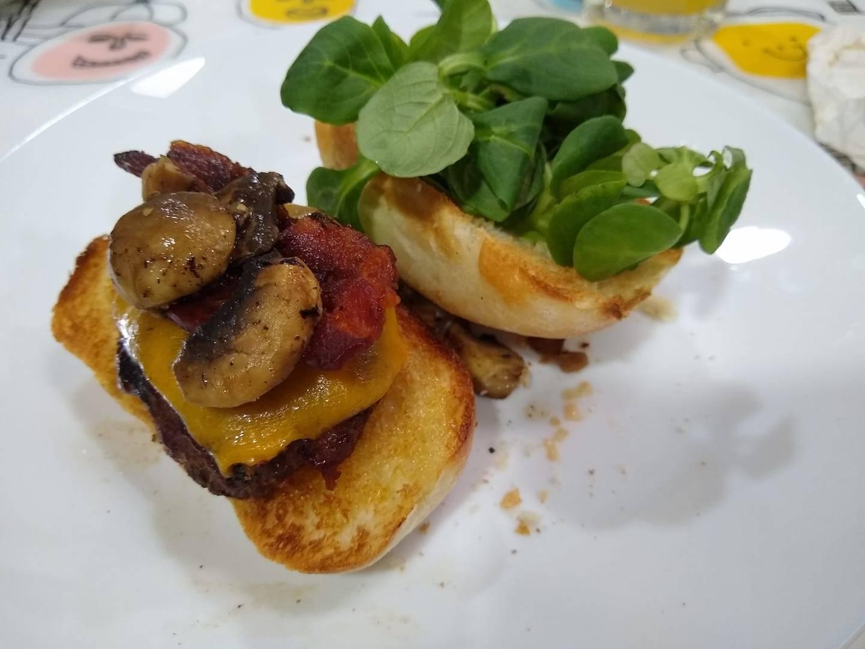 bbq cheese and mushroom burgers